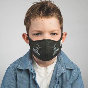 Kinder-Mundmaske RUDOR mit Piraten-Motiv Vorderansicht